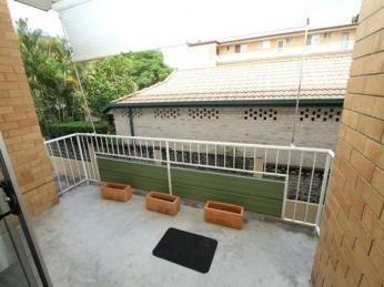 View profile: New Farm - Spacious 1 bedroom Bowen Terrace