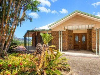 View profile: Quick Sale Required 6 Car Lock up + carport + 3 bedroom + Study