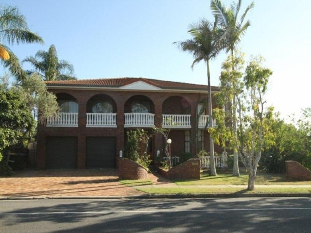 CHERMSIDE - Spacious Family Home!!