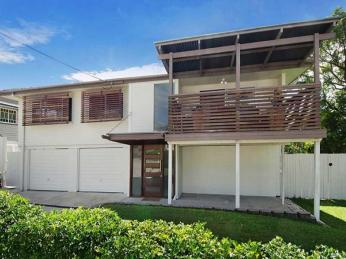 View profile: Coorparoo ~ Location ~ Location !
