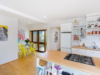 View profile: Top Floor Unit in Unrivalled Location
