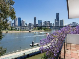 View profile: Riverfront Top Floor Fantastic Views